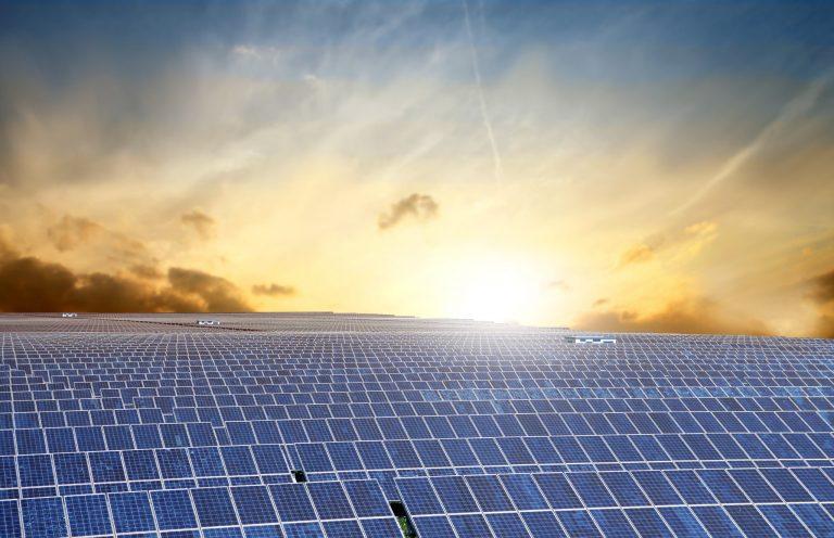 Usinas solares Placas fotovoltaicas